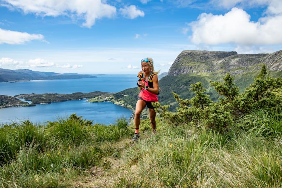 Malene løper Sognefjorden på langs. Foto: Håvard Nesbø.