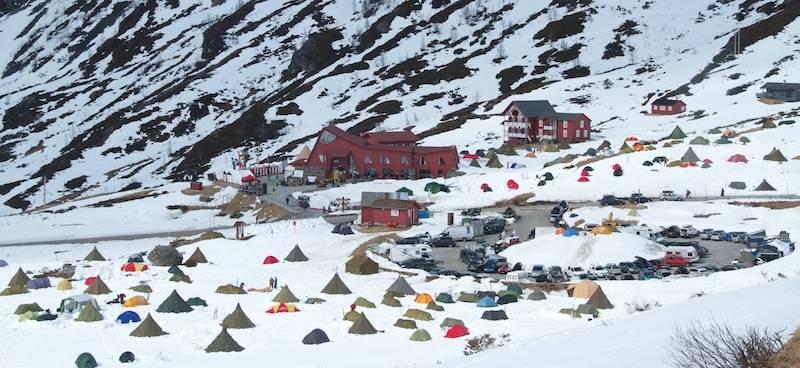 Teltovernatting på High Camp Turtagrø.